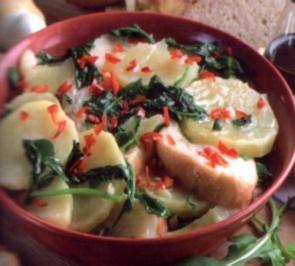erster gang brotsuppe mit karoffeln und rucola          apulien - Rezept