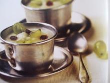 weiße Knoblauchsuppe mit Trauben - Rezept