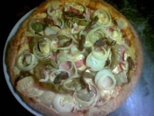 Selbstgemachte Pizza ( nach langer Suche zur Perfektion) - Rezept