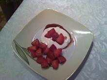 Balsamico-Erdbeeren auf Mascarponecreme-Spiegel - Rezept