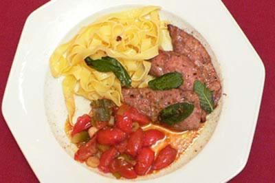 Kalbsleber mit Salbei, frischen Bandnudeln und Balsamico-Tomaten - Rezept