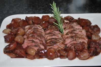 Entenbrust mit Rotwein-Schalotten - Rezept
