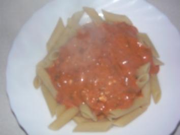 Tomatensauce mit Frischkäse und Champignongs - Rezept