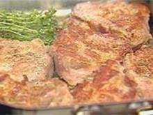 Gebratene Schweinenacken-Steaks - Rezept