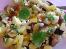 Obstsalat mit Trockenfrüchten - Rezept