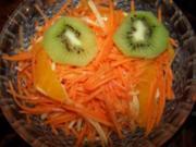 Möhren-Apfelsalat mit Orangenfilets - Rezept