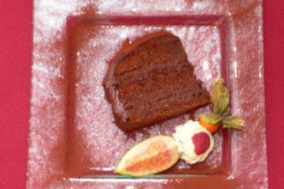 Rezept: Dunkle Schokoladentorte mit Crème Canache