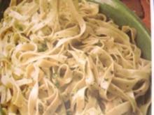 Grüne und gelbe Nudeln - Rezept