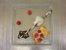 Lavendel-Honig-Eis an Himbeeren im Mantel - Rezept