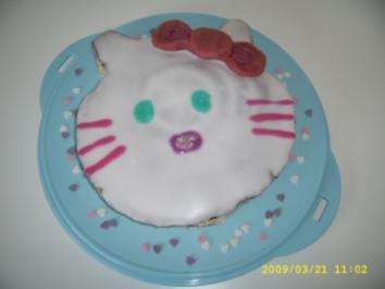 Hello Kitty Geburtstagstorte - Rezept