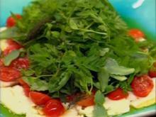 Kräutersalat mit Halloumi und Kirschtomaten - Rezept