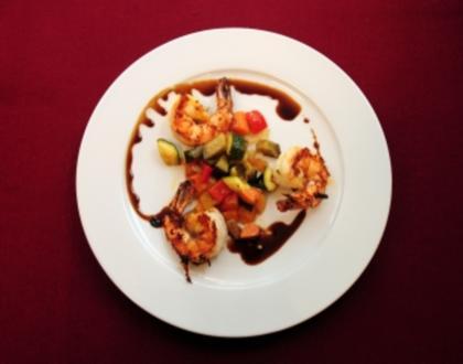 Caponata (Auberginen-Zucchini-Salat) mit gebratenen Gambas (Peter Bond) - Rezept