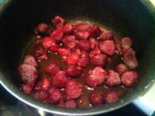 Himbeeren mit Chilli und Käsekuchenhäubchen - Rezept