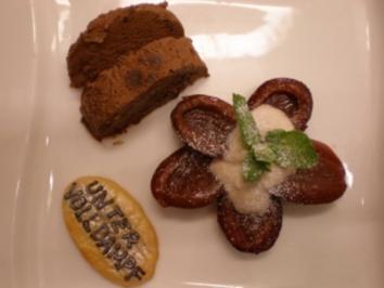 Quarknocken auf Zwetschgenkompott und Schokoparfait - Rezept