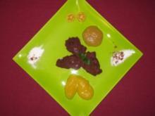 Pumpernickelmus auf Fruchtspiegel - Rezept