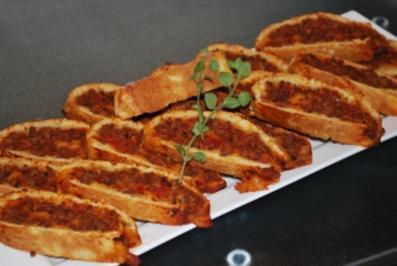 Rezept: Pizza-Bolognese-Schnecken