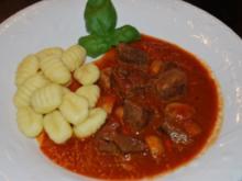 Mediterranes Rinder-Tomaten-Gulasch - Rezept