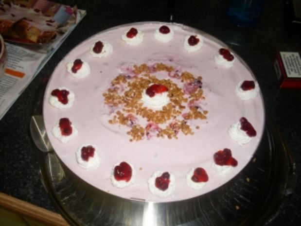 Birnen-Preiselbeer-Nusstorte - Rezept