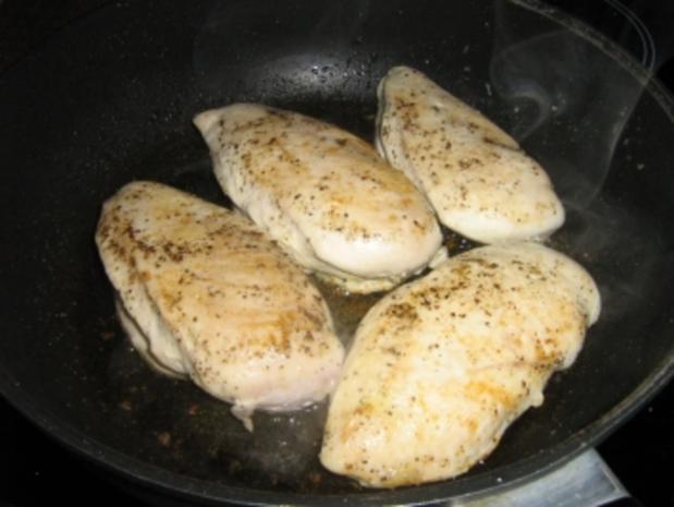 Hähnchenbrust mit  Gemüsepasta und Erdnuss-Basilikum-Pesto - Rezept - Bild Nr. 4