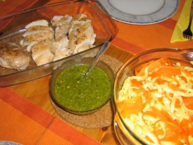 Hähnchenbrust mit  Gemüsepasta und Erdnuss-Basilikum-Pesto - Rezept - Bild Nr. 5