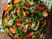 Rucola-Salat mit Apfelessig-Senf-Dressing - Rezept - Bild Nr. 2