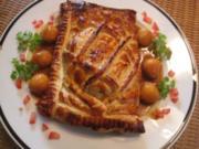 Maispoulardenbrust auf Blattspinat im Blätterteigmantel , Calvadossauce & Apfelperlen - Rezept