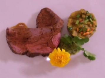 Thai Roast vom Rind an warmem Auberginensalat und Korianderchutney - Rezept