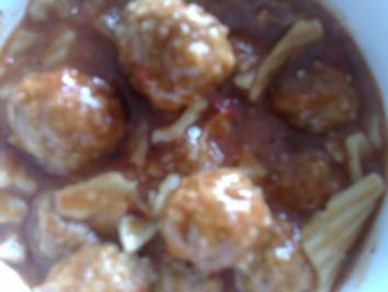 Rezept: Suppe mit Weizen-Hackfleischbällchen