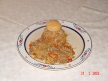 Hack-Reispfanne auf Pastete - Rezept
