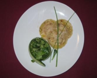Ravioli mit Butternusskürbis-Ricotta-Füllung an Salatbouquet - Rezept