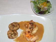 Langustenschwanz mit Chili-Orangenglacé an Koriandertalern und Salat - Rezept