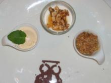 Honig-Nussjoghurt an Eierliköreis und Knusperapfel - Rezept
