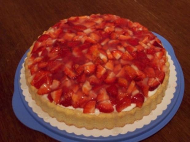 Erdbeer-Mosaik-Tortenboden - Rezept