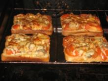 a tomaten-mozzarella-toast - Rezept