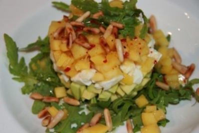 Mozzarella-Avocado-Mango-Salat - Rezept