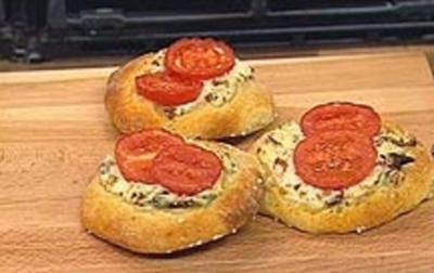 """Knack und Back""-Pizzen - Rezept"