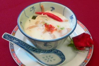 Tom Kha Gai – Hühnersuppe mit Kokosmilch - Rezept