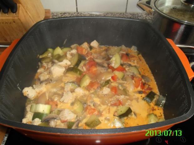 Putengulasch mit Zucchini - Rezept - Bild Nr. 3