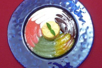 Orangensoufflé mit verschiedenen Soßen - Rezept