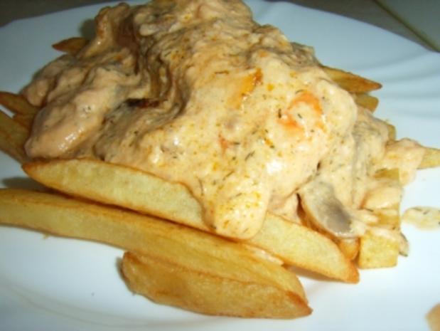 Lachs-Champigons-Gratin auf Pommes frittis - Rezept