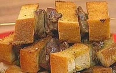 Leberspießchen mit Brot und Salbei gespickt - Rezept