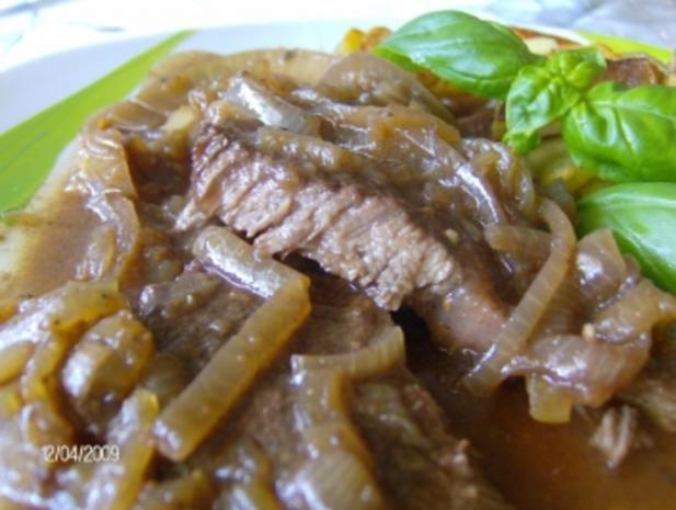 Zwiebelfleisch mit der besonderen Note - Rezept - Bild Nr. 2