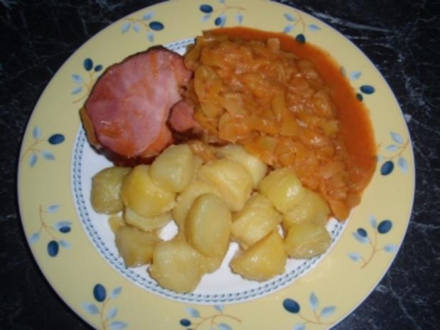 Kürbiskoch, Gselchtes und Kartoffeln - Rezept