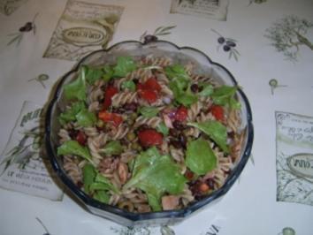 Nudelsalat mit Thunfisch und schwarzen Bohnen - Rezept