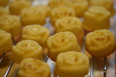 Mini Zitronen Blumen Kuchen