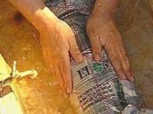 Forelle in der Zeitung a la Mälzer - Rezept