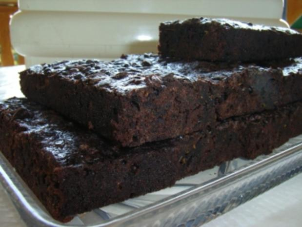kuchen brownies mit zucchini rezept mit bild. Black Bedroom Furniture Sets. Home Design Ideas