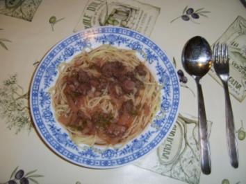 Tomatensoße mit Rind im eigenen Saft und Radieschen - Rezept