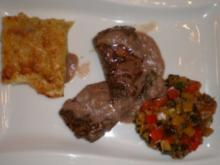 Lammfilet mit frischen Kräutern an Ratatouille und Kartoffelgratin - Rezept