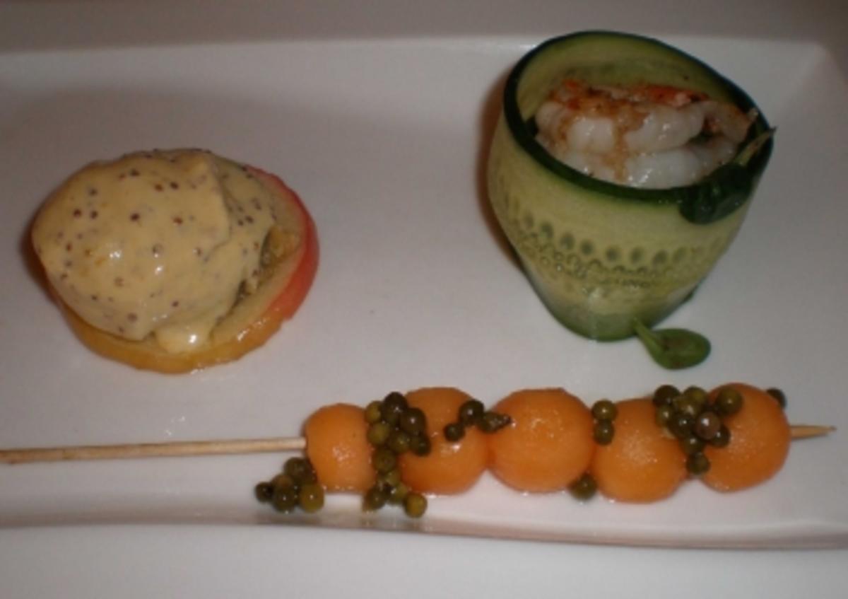 blutwurst auf apfel mit garnele auf rotem feldsalat dazu wasabi senfeis rezept. Black Bedroom Furniture Sets. Home Design Ideas